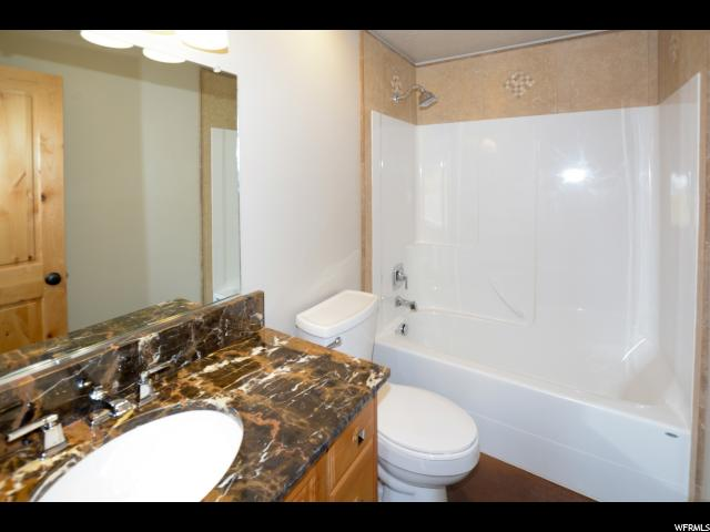 Additional photo for property listing at 616 N NORTH LOCHWOOD Drive 616 N NORTH LOCHWOOD Drive 花园城, 犹他州 84028 美国