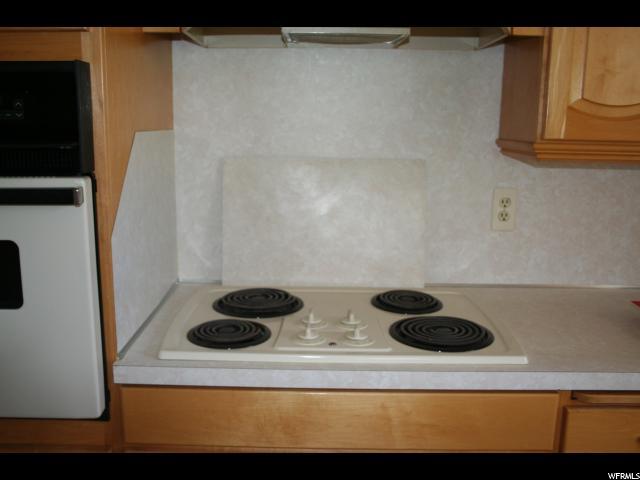 Additional photo for property listing at 4079 N 1900 W 4079 N 1900 W Spring Glen, Utah 84526 Estados Unidos