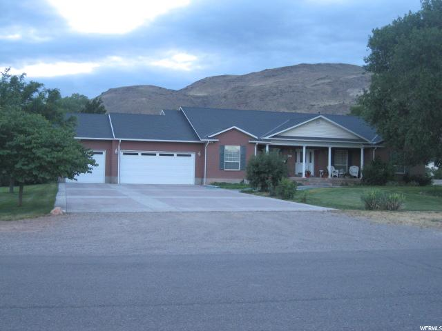 Single Family for Sale at 185 N 200 E Elsinore, Utah 84724 United States
