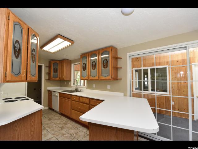 6920 S BROOKHILL DR Cottonwood Heights, UT 84121 - MLS #: 1459070