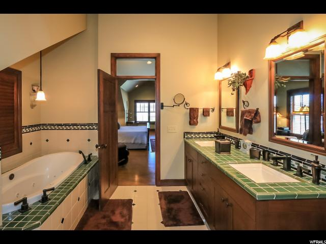 Additional photo for property listing at 2346 E 3395 S 2346 E 3395 S Salt Lake City, Юта 84109 Соединенные Штаты