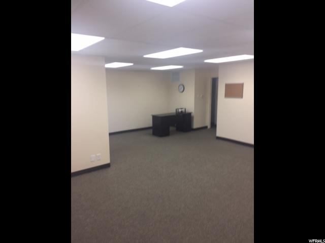 Additional photo for property listing at 1516 S 1100 E 1516 S 1100 E Unit: A Salt Lake City, Utah 84105 États-Unis
