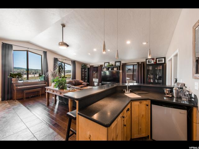 Additional photo for property listing at 240 E HIGHLAND Drive 240 E HIGHLAND Drive Park City, Utah 84098 États-Unis