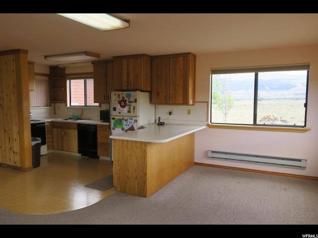 586 W RED GATES LN Torrey, UT 84775 - MLS #: 1460144