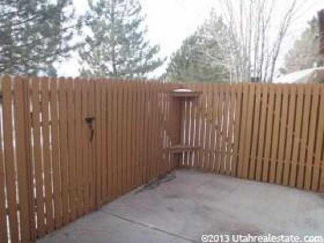 Additional photo for property listing at 1693 E 1470 S 1693 E 1470 S Ogden, Utah 84404 Estados Unidos