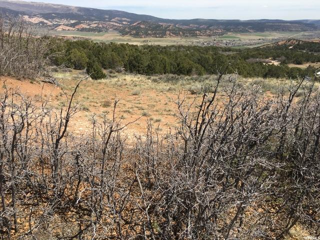 Additional photo for property listing at 39775 W WEST TABBY HEIGHTS Road 39775 W WEST TABBY HEIGHTS Road Tabiona, Utah 84072 Estados Unidos