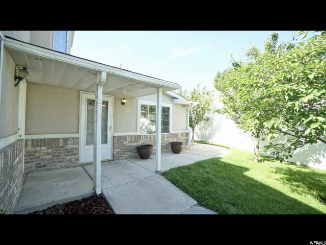 Additional photo for property listing at 9675 S 1630 W 9675 S 1630 W South Jordan, Utah 84095 États-Unis