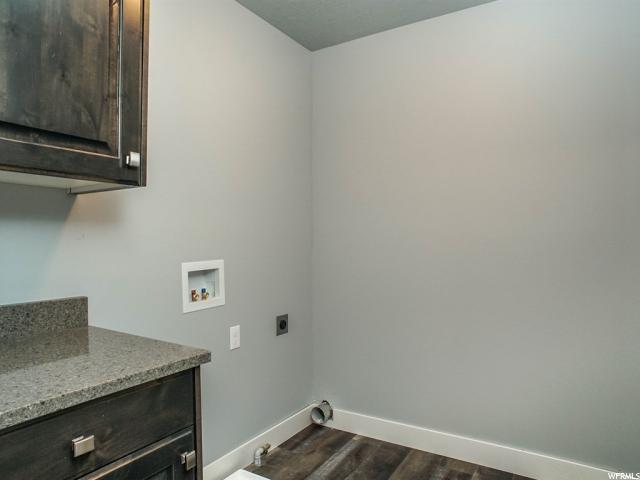 Additional photo for property listing at 779 S 225 E E 779 S 225 E E Willard, 犹他州 84340 美国