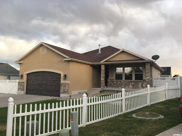 Single Family للـ Sale في 5565 W ROCK ROSE Circle Kearns, Utah 84118 United States