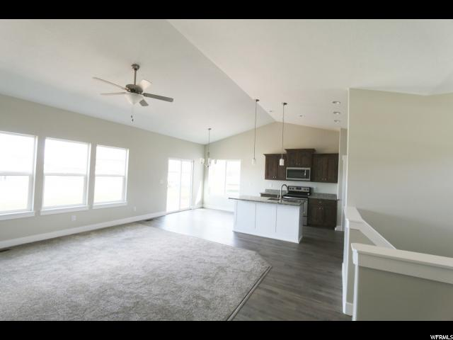 Additional photo for property listing at 528 W GOOSENEST Drive 528 W GOOSENEST Drive Unit: 47 Elk Ridge, 犹他州 84651 美国