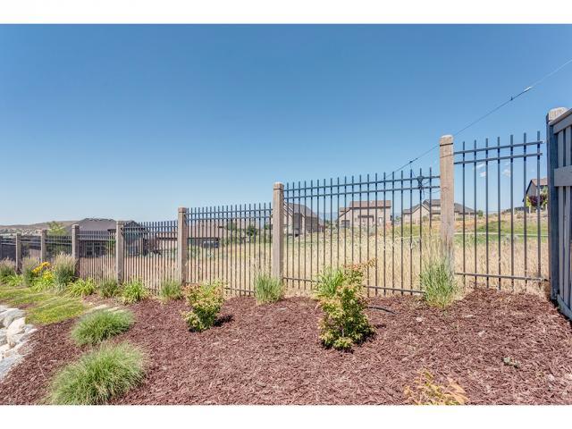 9011 N CLUBHOUSE LN Eagle Mountain, UT 84005 - MLS #: 1462059
