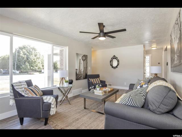 Additional photo for property listing at 581 E 9400 S 581 E 9400 S Sandy, Utah 84070 États-Unis