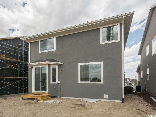 Additional photo for property listing at 989 W MCKENNA Road 989 W MCKENNA Road Unit: 150 Bluffdale, Utah 84065 États-Unis