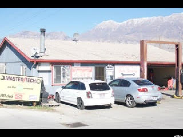 Commercial pour l Vente à 17-029-0014, 1190 N GENEVA Road Orem, Utah 84057 États-Unis