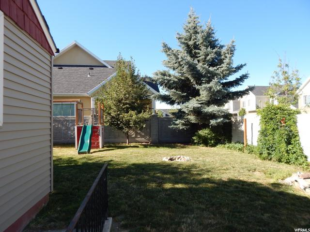 Additional photo for property listing at 394 E 7800 S 394 E 7800 S Midvale, Utah 84047 États-Unis