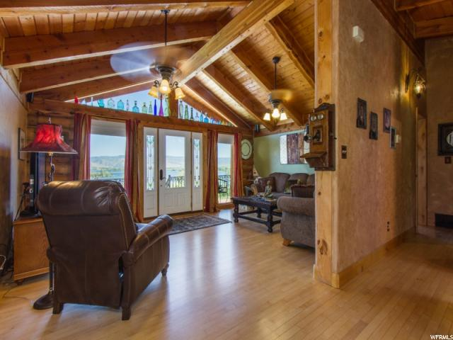 Additional photo for property listing at 719 N HWY 158 719 N HWY 158 Eden, Utah 84310 Estados Unidos