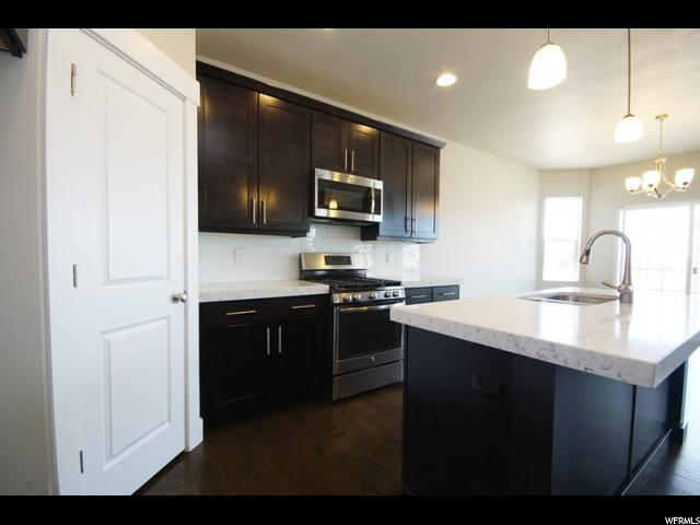 922 S 720 Farmington, UT 84025 - MLS #: 1463062