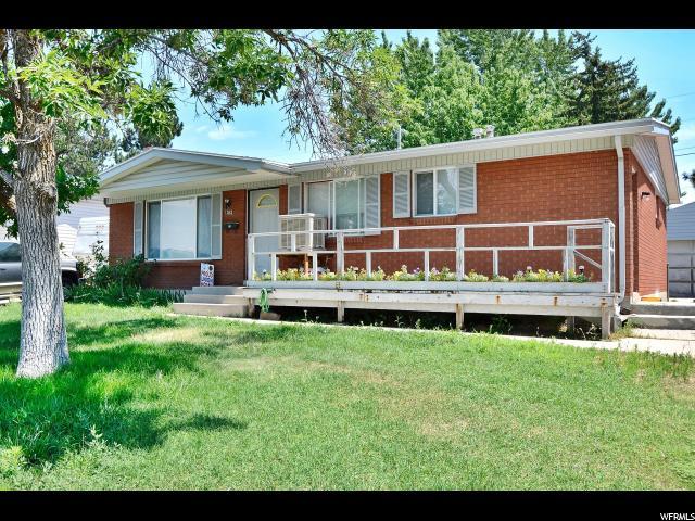 单亲家庭 为 销售 在 1042 N 300 W Sunset, 犹他州 84015 美国