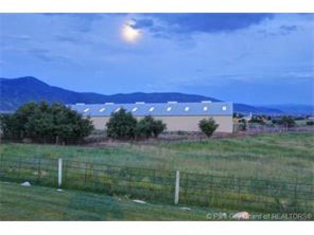 Additional photo for property listing at 1352 W HYLANDER Drive 1352 W HYLANDER Drive Oakley, Utah 84055 États-Unis