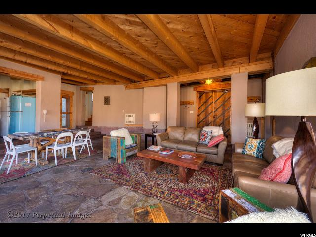 Additional photo for property listing at 1 S MILLCREEK CYN 1 S MILLCREEK CYN Moab, Юта 84532 Соединенные Штаты