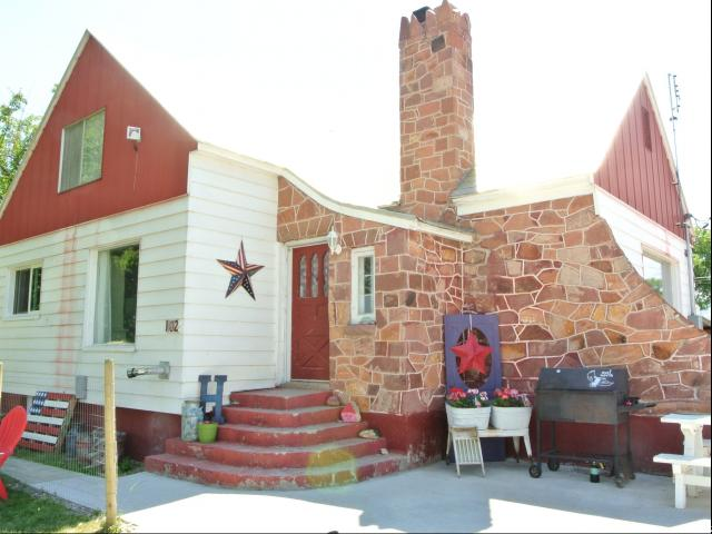 Single Family for Sale at 102 S MAIN Street Paris, Idaho 83261 United States