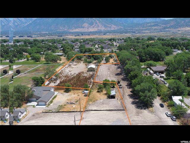 Terrain pour l Vente à 13583 S REDWOOD Road 13583 S REDWOOD Road Riverton, Utah 84065 États-Unis