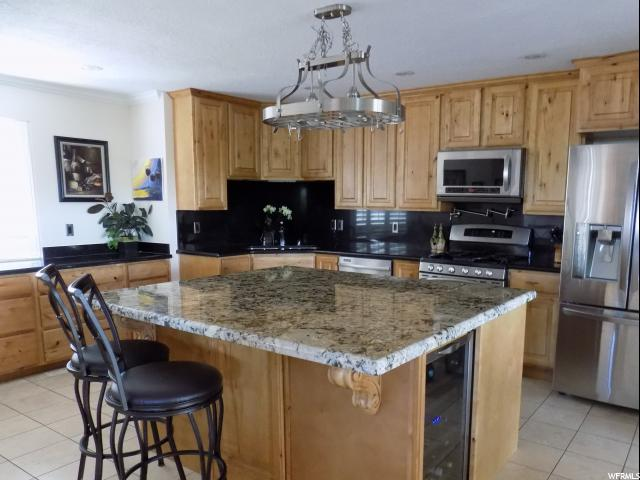 Additional photo for property listing at 8504 KINGS HILL Drive 8504 KINGS HILL Drive Cottonwood Heights, Юта 84121 Соединенные Штаты