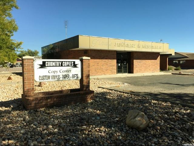 Commercial pour l Vente à D-779-4, 320 E MAIN 320 E MAIN Delta, Utah 84624 États-Unis