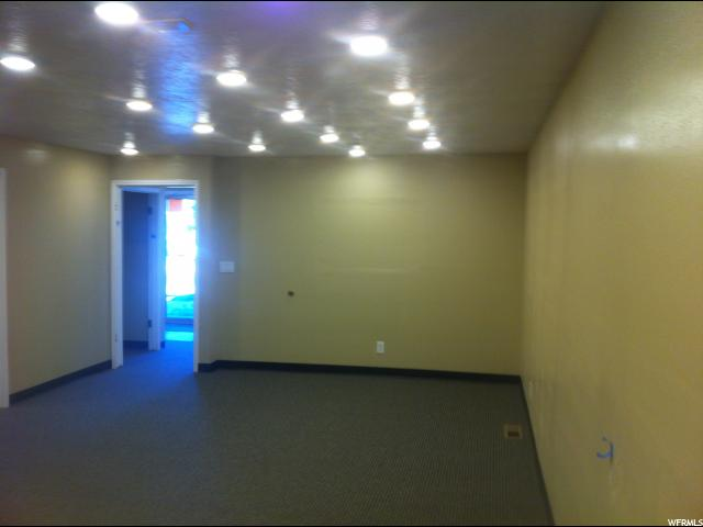 Additional photo for property listing at 182 N 100 E 182 N 100 E Logan, 犹他州 84321 美国