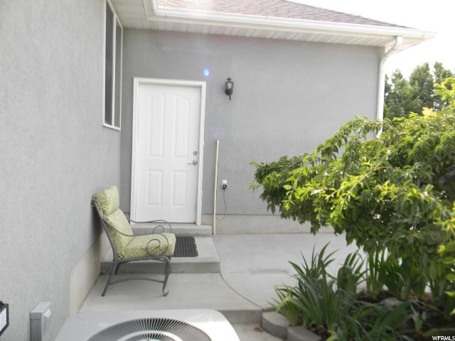 Additional photo for property listing at 10913 S 3210 W 10913 S 3210 W 南约旦, 犹他州 84095 美国