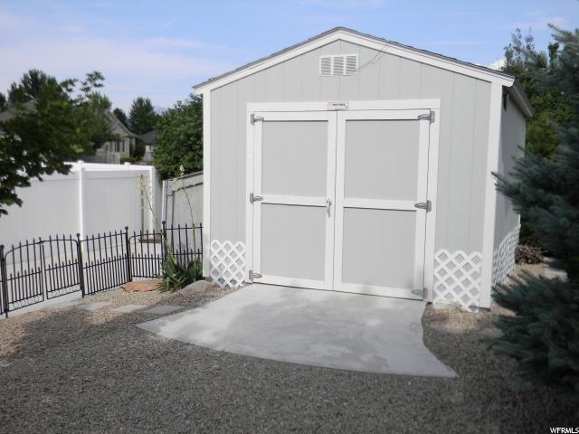 Additional photo for property listing at 10913 S 3210 W 10913 S 3210 W South Jordan, Юта 84095 Соединенные Штаты