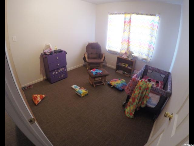 Additional photo for property listing at 331 E 3300 S 331 E 3300 S Salt Lake City, Utah 84115 États-Unis