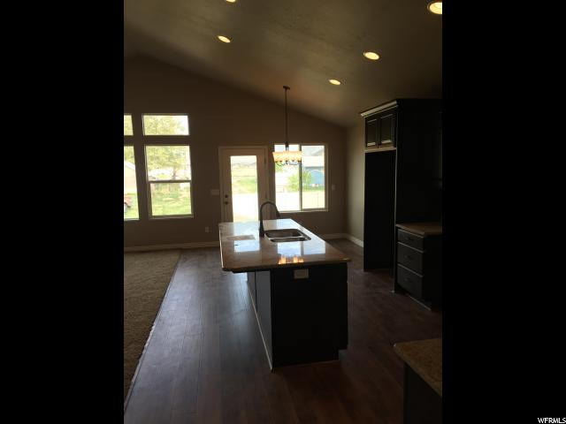 1907 N 2350 Unit 112 Clinton, UT 84015 - MLS #: 1464859