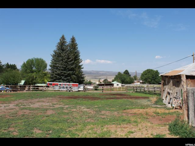 Additional photo for property listing at 90 W 100 N 90 W 100 N Bicknell, Utah 84715 Estados Unidos