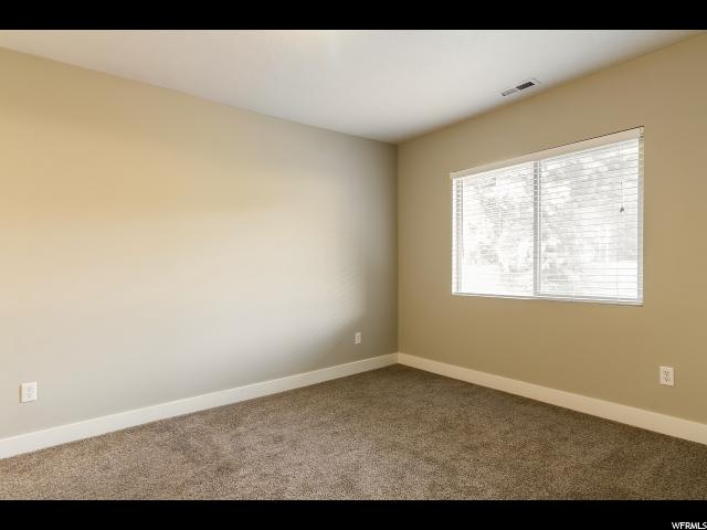 Additional photo for property listing at 8099 S 700 E 8099 S 700 E Sandy, Utah 84070 Estados Unidos