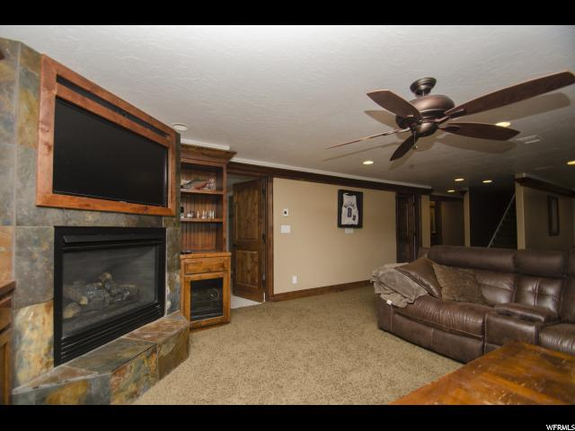 Additional photo for property listing at 804 E 3300 N 804 E 3300 N North Ogden, Utah 84414 United States