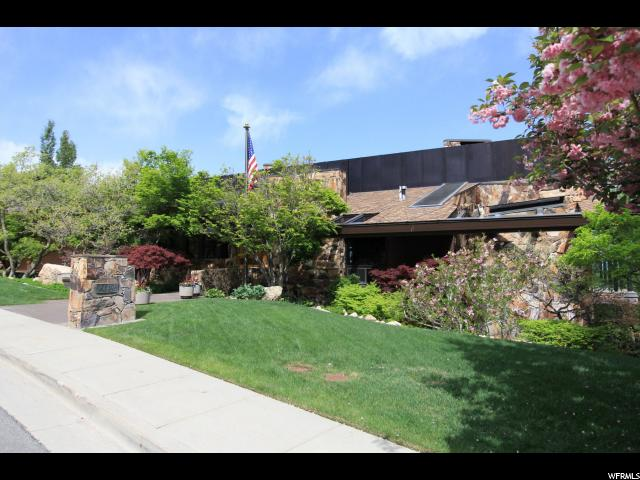 Single Family للـ Sale في 4496 S ABINADI Road 4496 S ABINADI Road Salt Lake City, Utah 84124 United States
