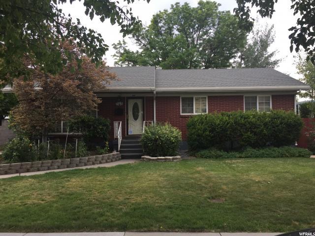 单亲家庭 为 销售 在 918 E BEST Avenue Millcreek, 犹他州 84106 美国
