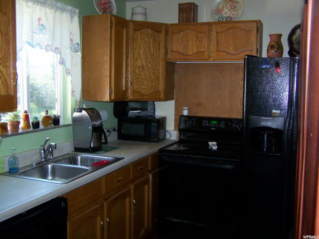 Additional photo for property listing at 1415 W 2250  West Valley City, 犹他州 84119 美国