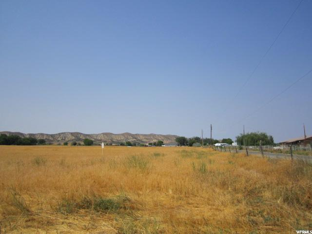 Additional photo for property listing at 1296 E 5000 S 1296 E 5000 S Vernal, 犹他州 84078 美国