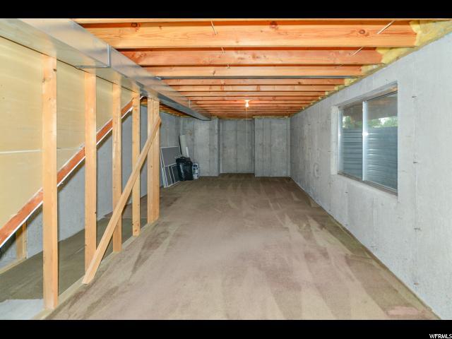 Additional photo for property listing at 7731 S STRAWBERRY CV  West Jordan, Utah 84084 United States