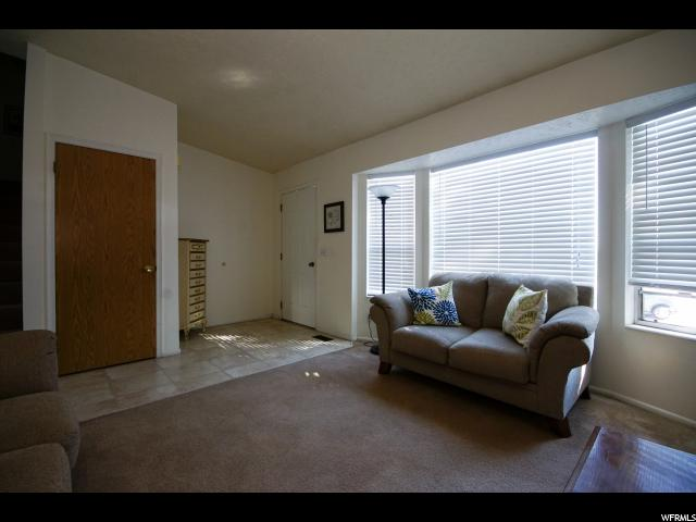 Additional photo for property listing at 8586 S AUTUMN GOLD Circle  West Jordan, Utah 84081 États-Unis