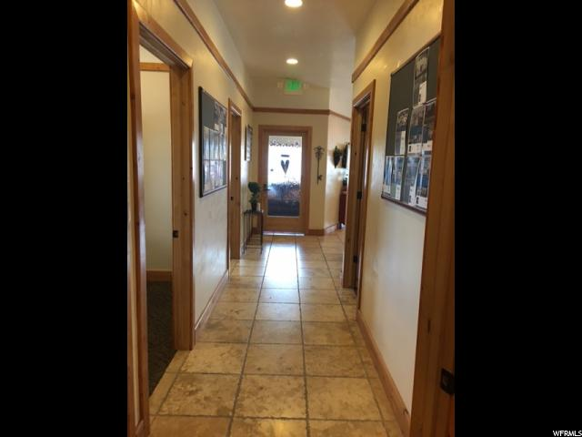 Additional photo for property listing at 1293 W HWY 40 1293 W HWY 40 Unit: 1293 Vernal, Utah 84078 États-Unis
