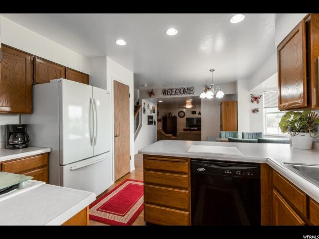 Additional photo for property listing at 2533 W 12875 S  Riverton, Utah 84065 États-Unis