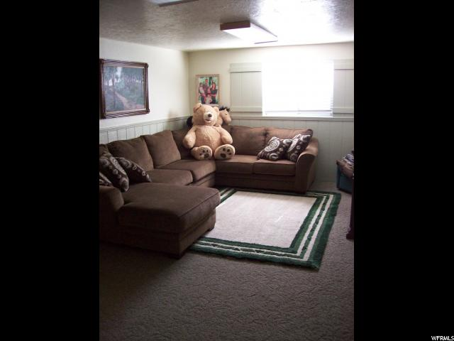 Additional photo for property listing at 59 E 1100 N 59 E 1100 N Centerville, Utah 84014 États-Unis