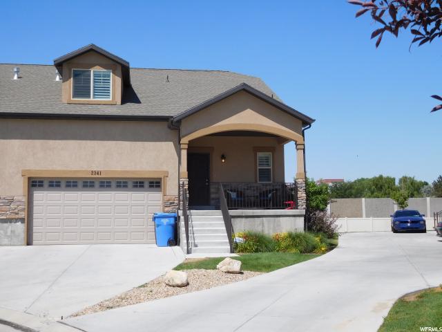 Casa unifamiliar adosada (Townhouse) por un Venta en 2341 W JOSIE Lane Taylorsville, Utah 84118 Estados Unidos