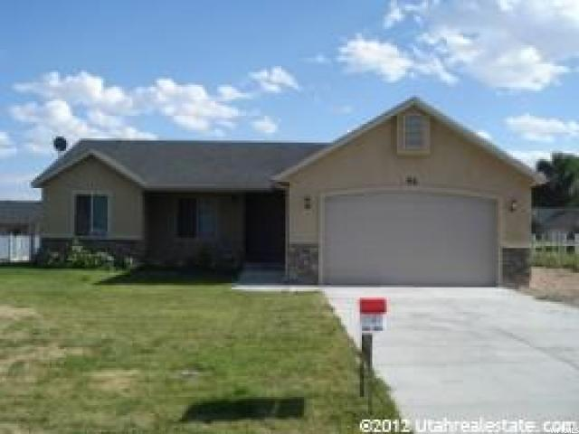 Additional photo for property listing at 92 E 1100 S 92 E 1100 S Vernal, Utah 84078 États-Unis