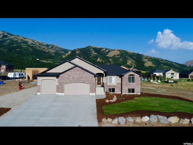 Unique la famille pour l Vente à 622 S 100 E Mantua, Utah 84324 États-Unis