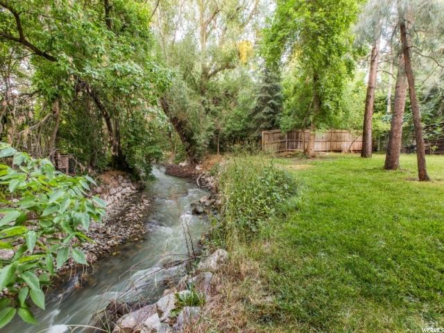 Additional photo for property listing at 5081 S 2100 E 5081 S 2100 E Holladay, Utah 84117 Estados Unidos