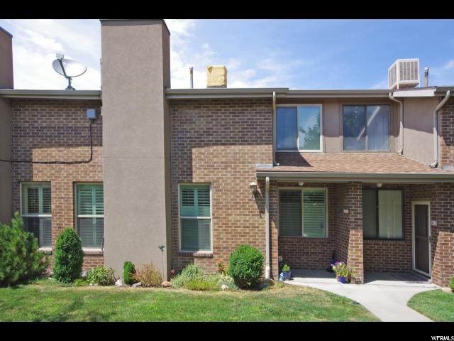 Appartement en copropriété pour l Vente à 8725 S OAKWOOD PARK Circle Sandy, Utah 84094 États-Unis